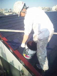 安達様屋根仕上げ塗り一回目