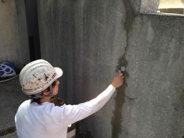 0624外塀ひび割れ補修